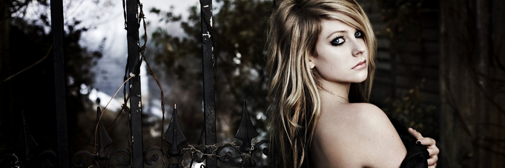 avril lavigne hollywood english singer pop artist Hottest Female Singers Who Could Give Models a Run for Their Money