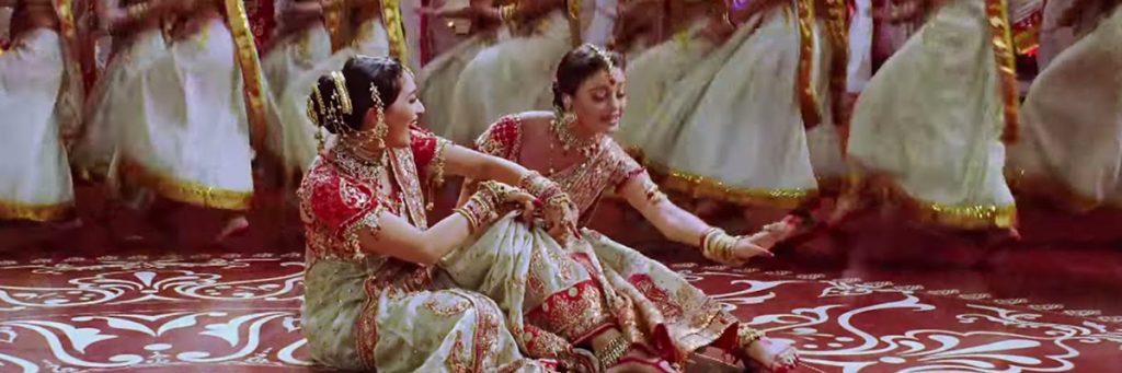 Dola Re Dola Song Aishwarya Rai and Madhuri Dixit